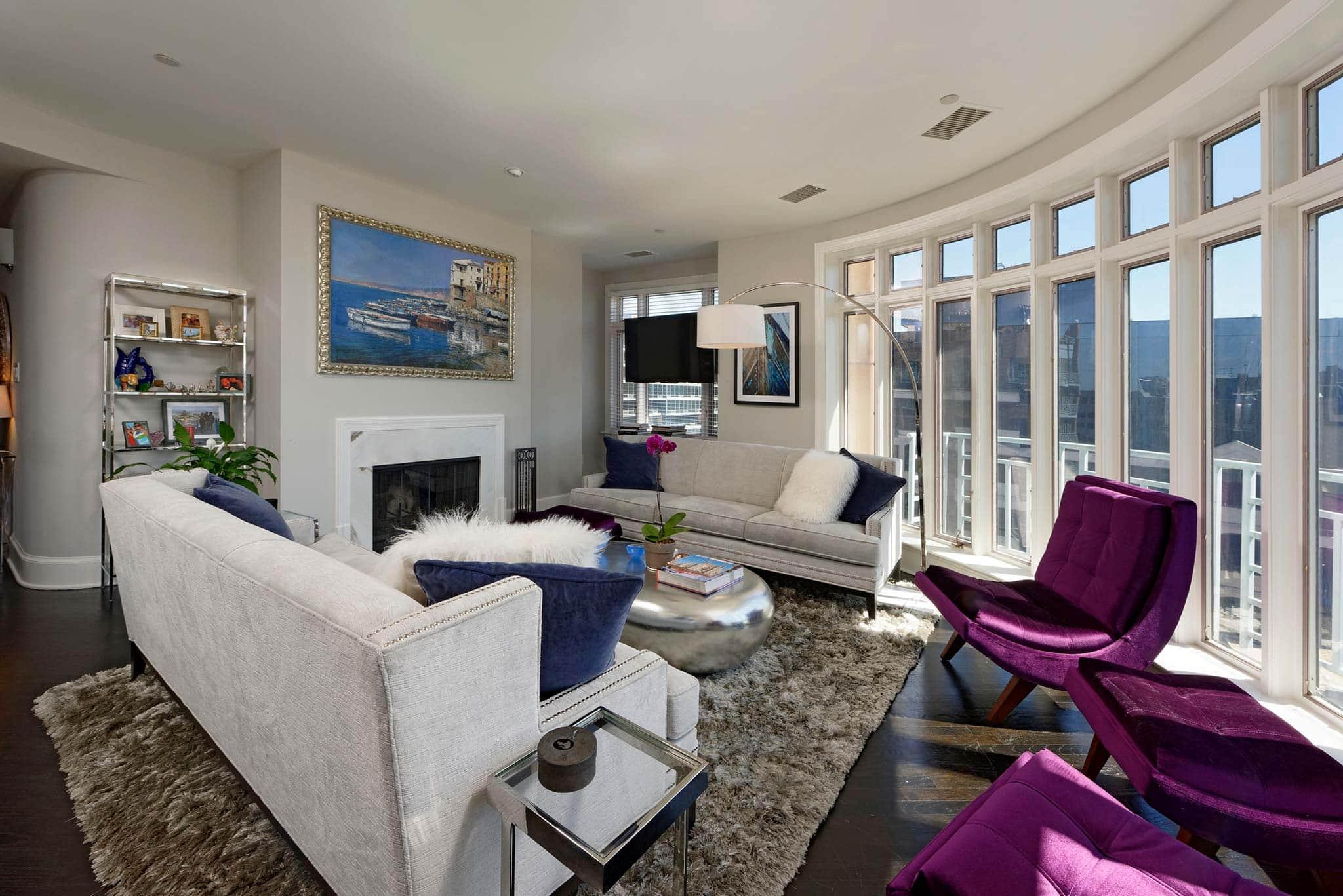 2401 Pennsylvania Avenue living room